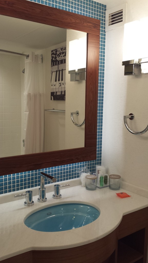 Radisson Austin new bathroom