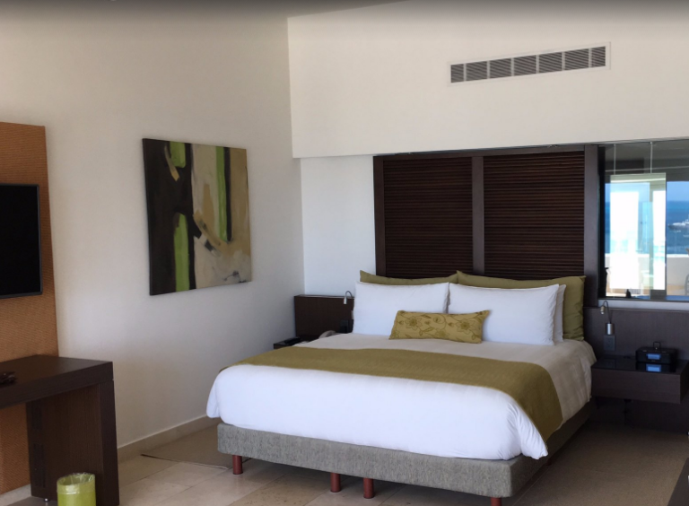 Presidente Cancun Room