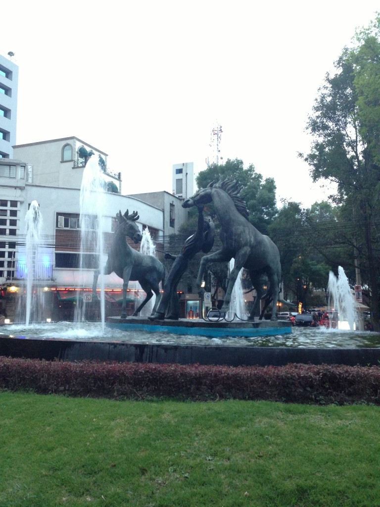 Beautiful fountain dance in the heart of Polanco