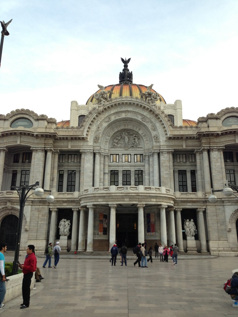 Palacio de Bellas Artes in Parque Alameda Central