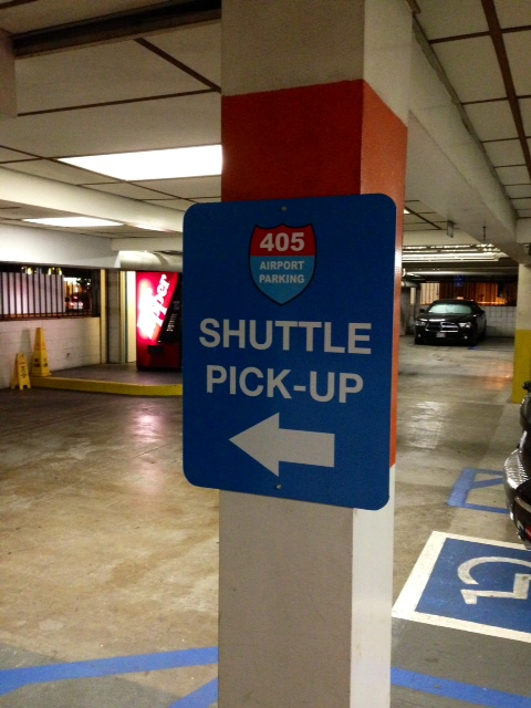 Cheap lax airport parking for less than 4 day using for Lax parking closest to airport