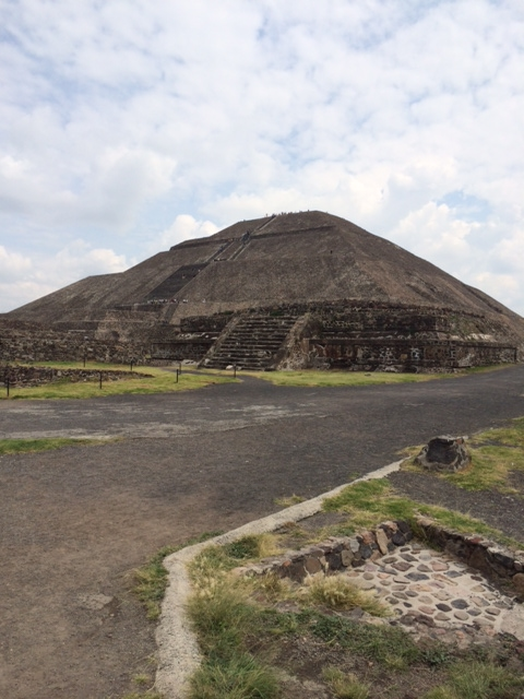 an overview of teotihuacan An overview of the mayan civilization as well as the great city of teotihuacan watch the next lesson: .