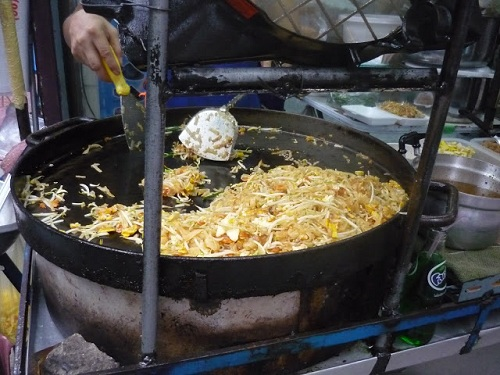 street-food pad thai2